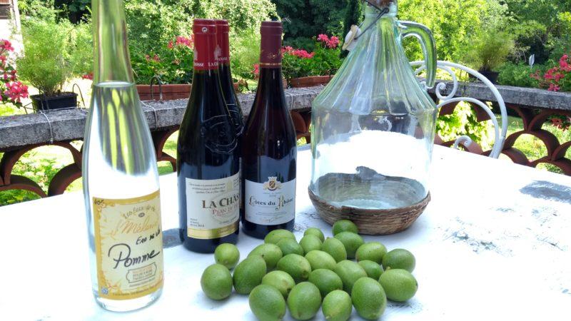 Fin Juin, c'est le moment de faire son vin de noix !